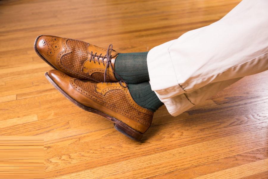 ست کفش دربی با جوراب راه دار سبز و سایه ارغوانی