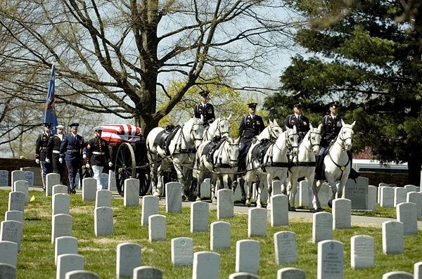 مراسم خاکسپاری نظامی